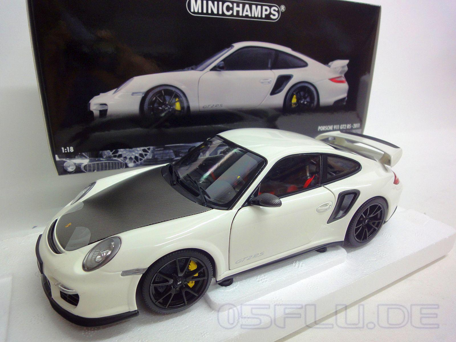 minichamps 1 18 porsche 911 997 ii gt2 rs 2011 white w black wheels neu. Black Bedroom Furniture Sets. Home Design Ideas