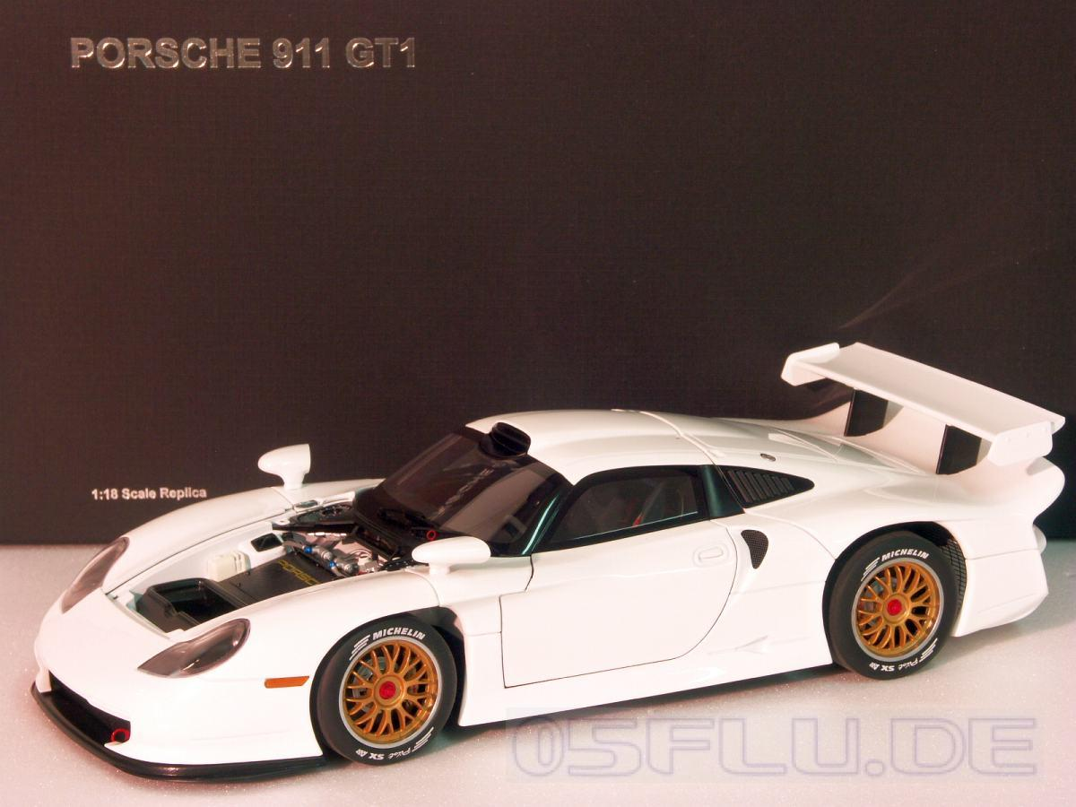 autoart 1 18 89771 porsche 911 gt1 1997 plain body version white neu ebay. Black Bedroom Furniture Sets. Home Design Ideas