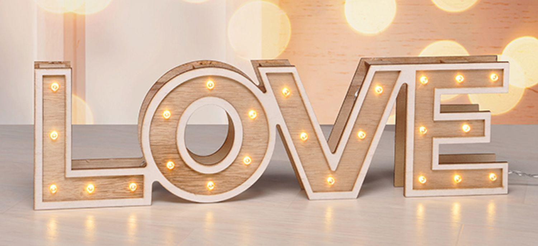 led deko buchstaben love dekoleuchte stimmungsleuchte holz. Black Bedroom Furniture Sets. Home Design Ideas