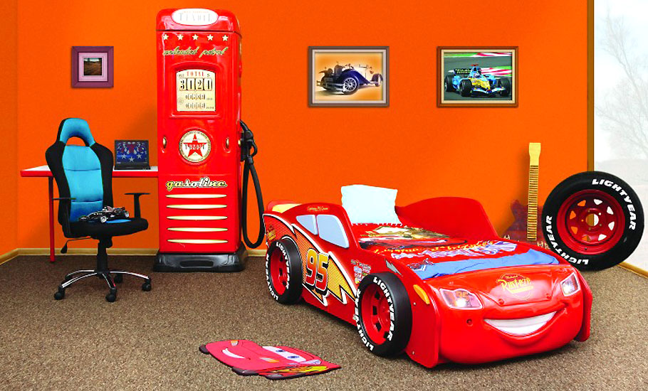 disney kinderbett lightning mcqueen cars autobett bett matratze ebay. Black Bedroom Furniture Sets. Home Design Ideas