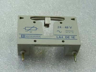 Telemecanique LA4 DE1E Überspannungsbegrenzer 24 - 48 V AC  / DC ungebraucht in