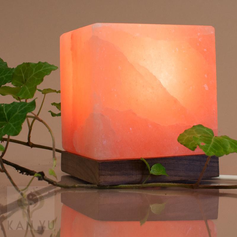 salzlampe kubus inkl elektrik salz kristall leuchte. Black Bedroom Furniture Sets. Home Design Ideas