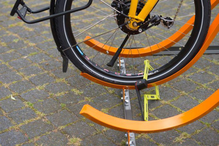 fahrradst nder schr ghochparker f r 4 6 fahrr der f r wand oder freistehend. Black Bedroom Furniture Sets. Home Design Ideas