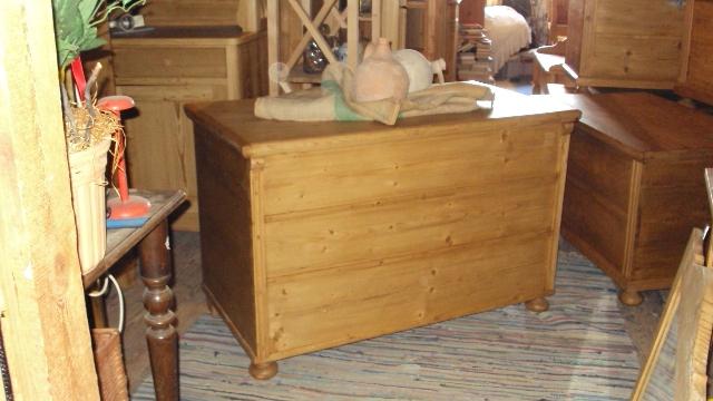nr 3345 alte truhe holztruhe gr nderzeit truhe weichholz truhe ebay. Black Bedroom Furniture Sets. Home Design Ideas