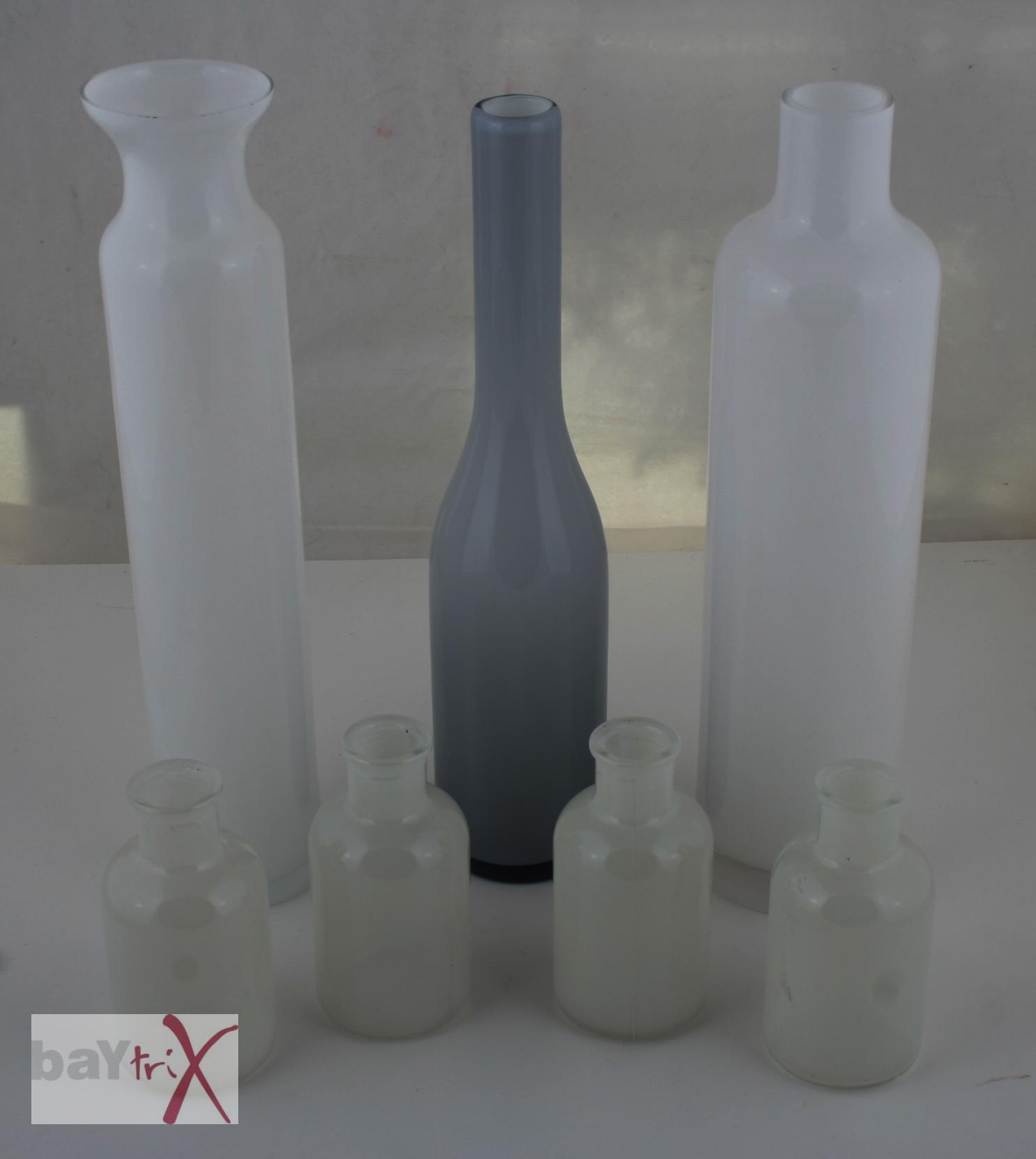 7 flaschen milchglas glasflaschen glas wei grau deko ebay. Black Bedroom Furniture Sets. Home Design Ideas