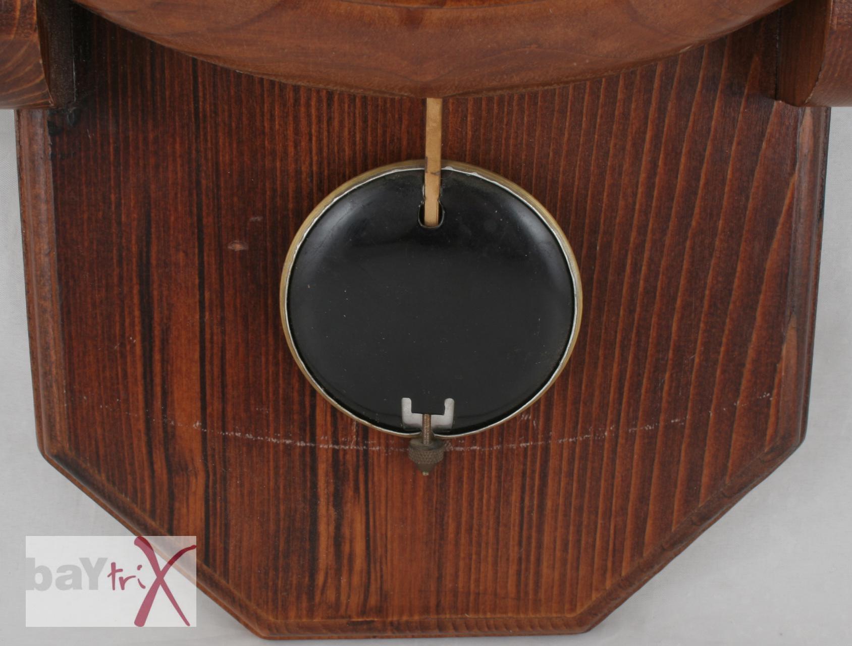 wanduhr meister anker mit pendel holz metall pendeluhr alt antik h ngeuhr ebay. Black Bedroom Furniture Sets. Home Design Ideas