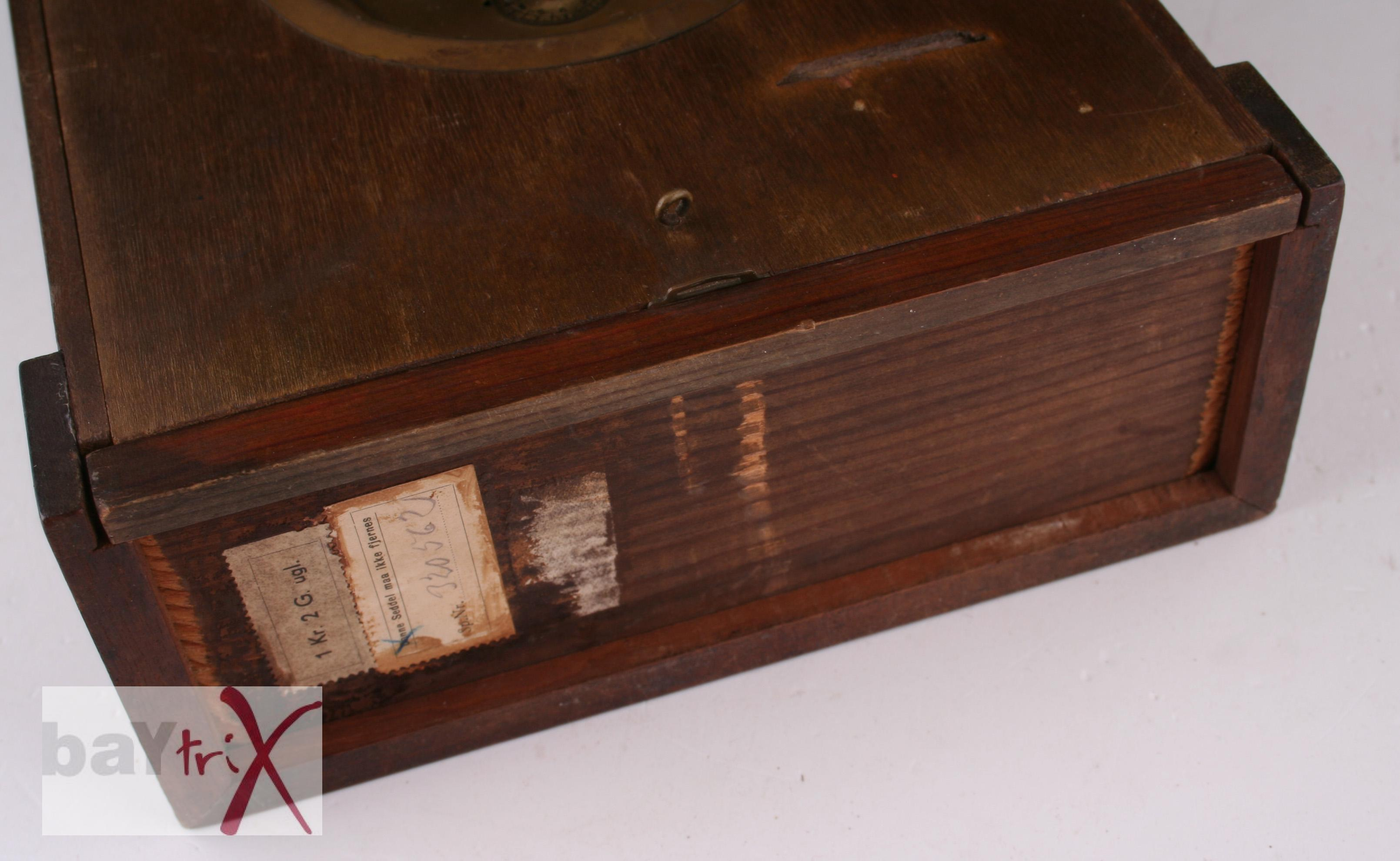 d nische sparuhr spar uhr sehr alt antik defekt kaminuhr tischuhr dekoration ebay. Black Bedroom Furniture Sets. Home Design Ideas