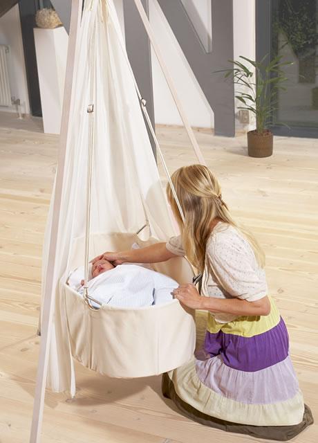 leander wiege komplett set babywiege mit himmel und stativ neu ovp ebay. Black Bedroom Furniture Sets. Home Design Ideas