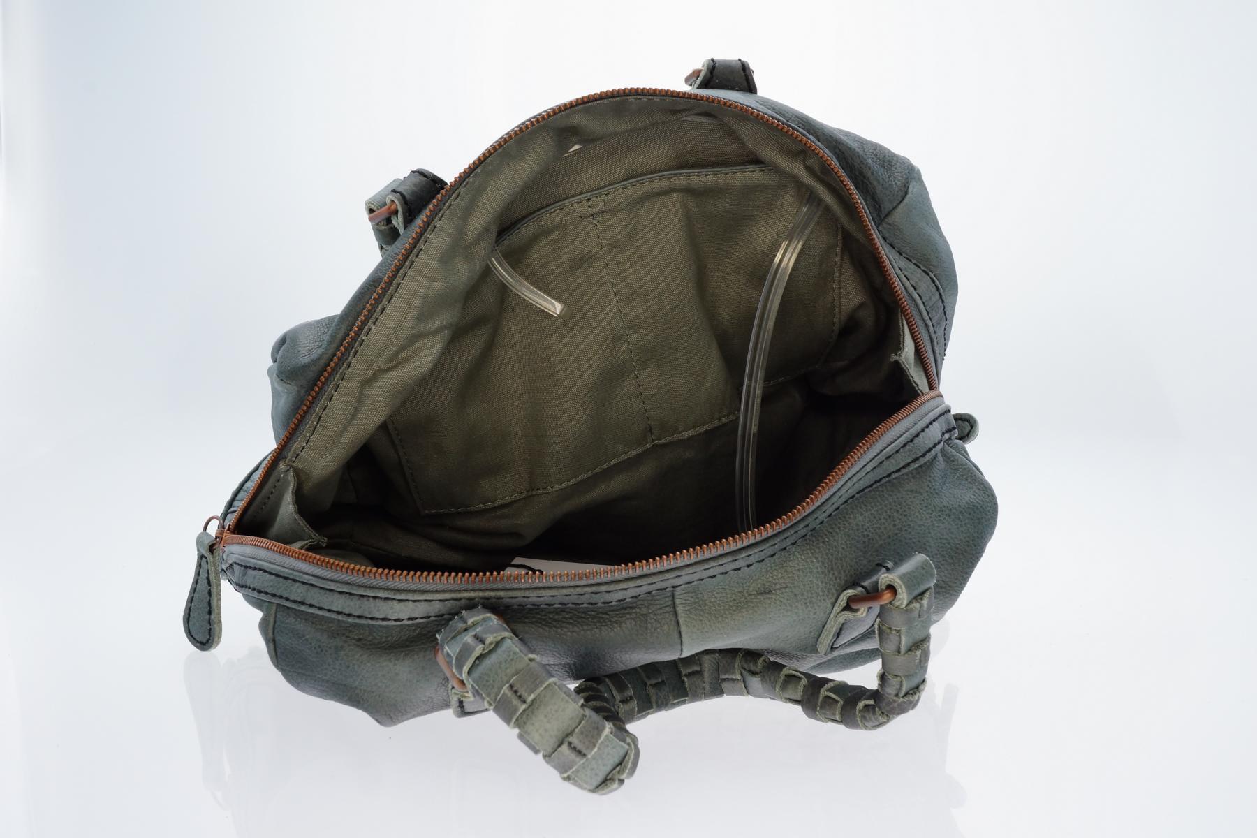 liebeskind berlin damen henkeltasche tasche lioba olive. Black Bedroom Furniture Sets. Home Design Ideas