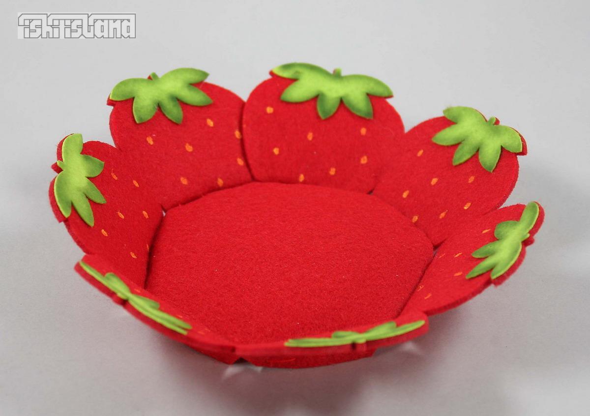 Stoff erdbeer teller dekoration dekoteller erdbeeren for Dekoration erdbeeren
