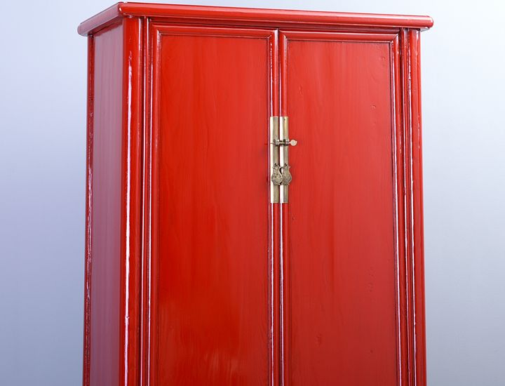 schrank china rot hochglanz wie schellack hochzeitsschrank. Black Bedroom Furniture Sets. Home Design Ideas
