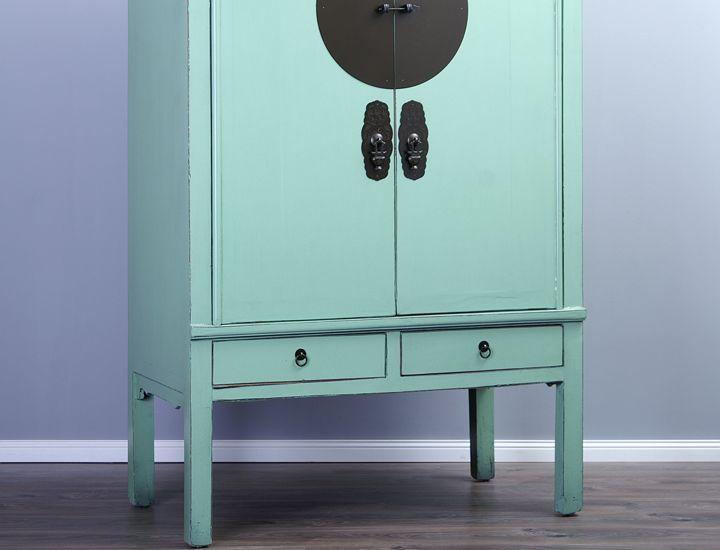 antiker schrank hochzeitsschrank pastellgr n gr n. Black Bedroom Furniture Sets. Home Design Ideas
