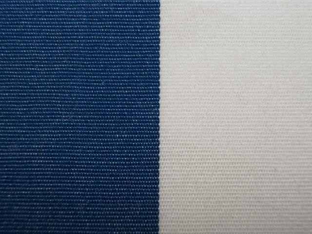 bezugsstoff weiss blau augsburg reste stoffreste stoff. Black Bedroom Furniture Sets. Home Design Ideas