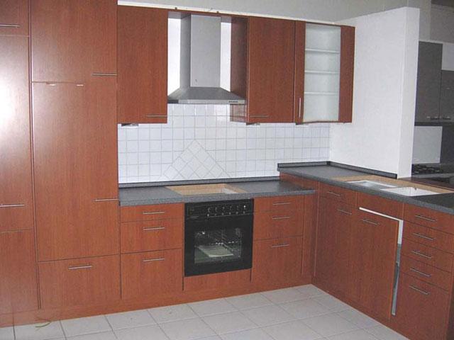 eck hochschrank k che die neuesten innenarchitekturideen. Black Bedroom Furniture Sets. Home Design Ideas