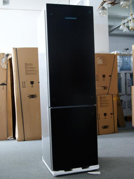 a liebherr cbnpgb 3956 k hl gefrier glasfront biofresh nofrost k hlschrank ebay. Black Bedroom Furniture Sets. Home Design Ideas