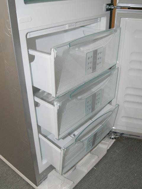 a liebherr cbnpgb 3956 k hl gefrier glasfront biofresh nofrost k hlschrank. Black Bedroom Furniture Sets. Home Design Ideas