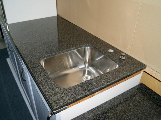 120 cm granit k chen arbeitsplatte granit schwarz mit blanco sp lbecken rechts ebay. Black Bedroom Furniture Sets. Home Design Ideas