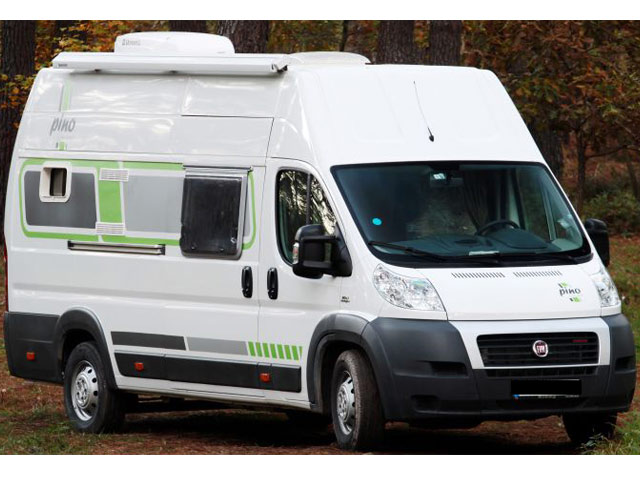 neue dachklimaanlage klimaanlage wohnmobil wohnwagen. Black Bedroom Furniture Sets. Home Design Ideas
