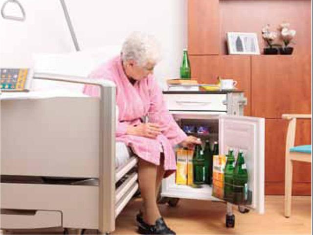 Mini Kühlschrank Für Altenheim : Amstyle mini kÜhlschrank minibar weiß l ° °c getränkekühler