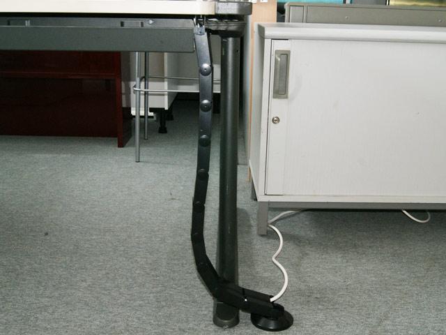 kabelspirale kabelf hrung kabelbinder kabelwurm kabeldurchf hrung schreibtisch ebay. Black Bedroom Furniture Sets. Home Design Ideas