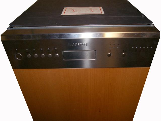 45 cm spuelmaschine teilintegriert bedienblende edelstahl. Black Bedroom Furniture Sets. Home Design Ideas
