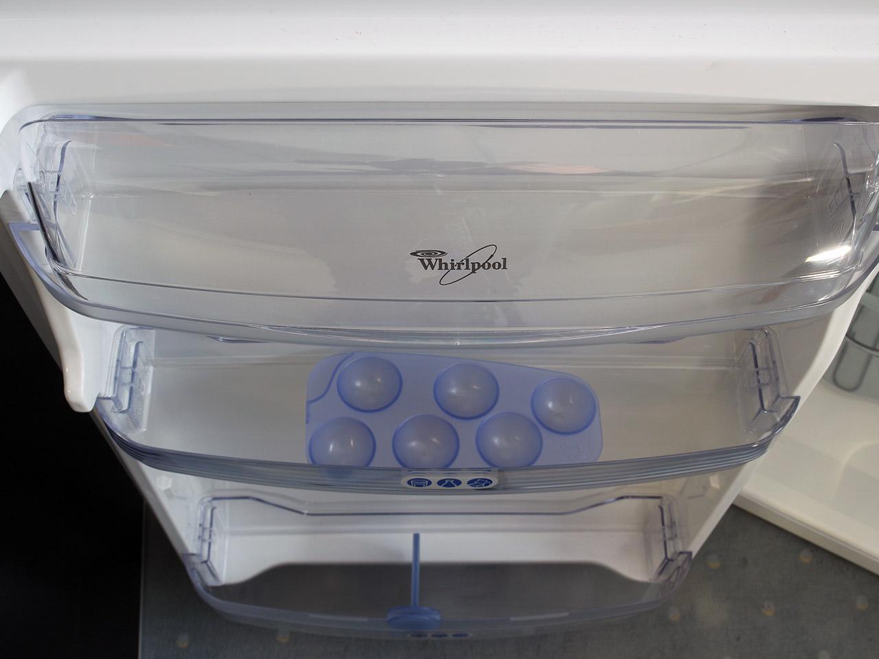 87cm whirlpool einbau k hlschrank arg 341 eek b schleppt rtechnik 4 glasablagen ebay - Whirlpool einbau ...