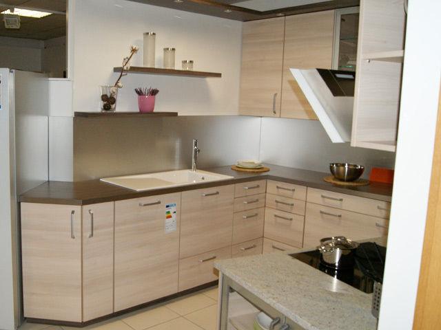 kuchen mit hochbackofen wohndesign. Black Bedroom Furniture Sets. Home Design Ideas