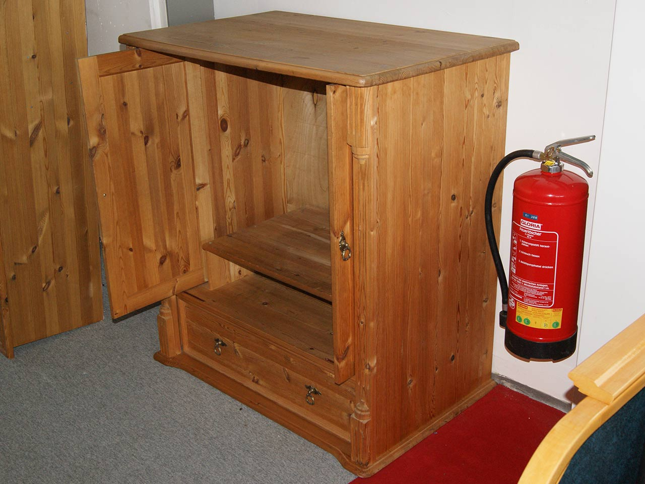 Tv Möbel Versenkbar tv schrank kiefer tv schrank i kiefer massiv with tv