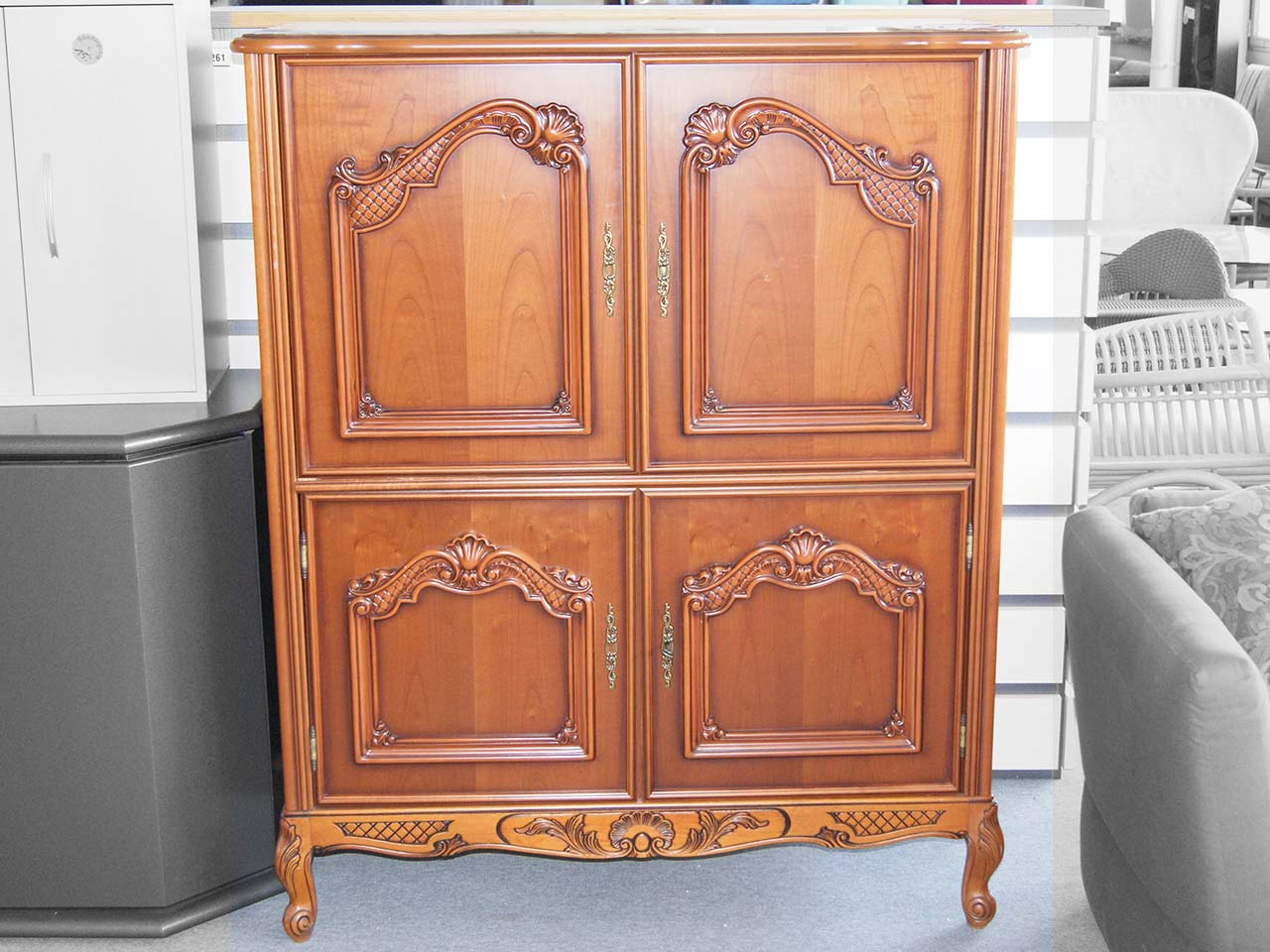 fernsehschrank tv schrank kirsche chippendale echtholzfurnier teilmassiv ebay. Black Bedroom Furniture Sets. Home Design Ideas