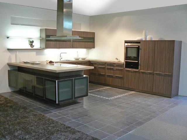 Schwarz : ... -Küche E+K Front noce milano Glasline Glas schwarz ...