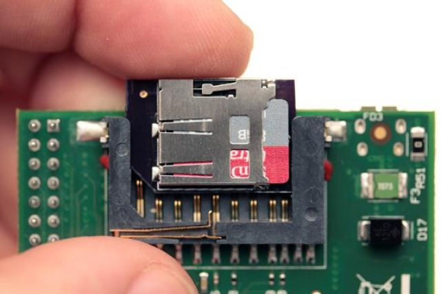 Low Profile TF / MicroSD to SD Adapter
