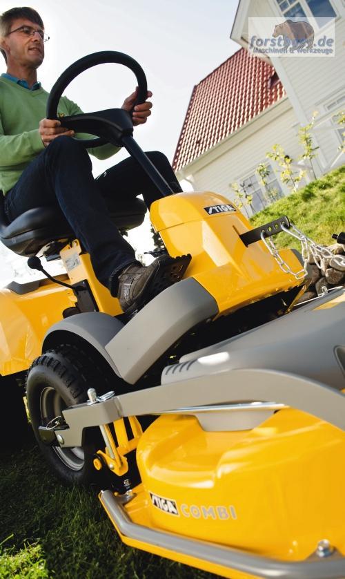 stiga frontm her park compact 16 4wd m hdeck 95cm mulcher aufsitzm her traktor ebay. Black Bedroom Furniture Sets. Home Design Ideas