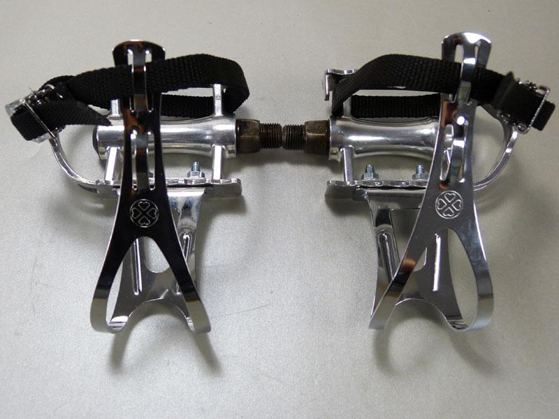 fahrrad pedale mit pedalhaken schlicht retro pedalhaken. Black Bedroom Furniture Sets. Home Design Ideas