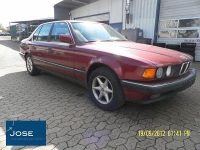 Kotfluegel Rot BMW 7er E32 730 I 730i