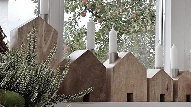 Home kerzenst nder holz h user haus holzhaus kerzenhaus for Holz deko haus