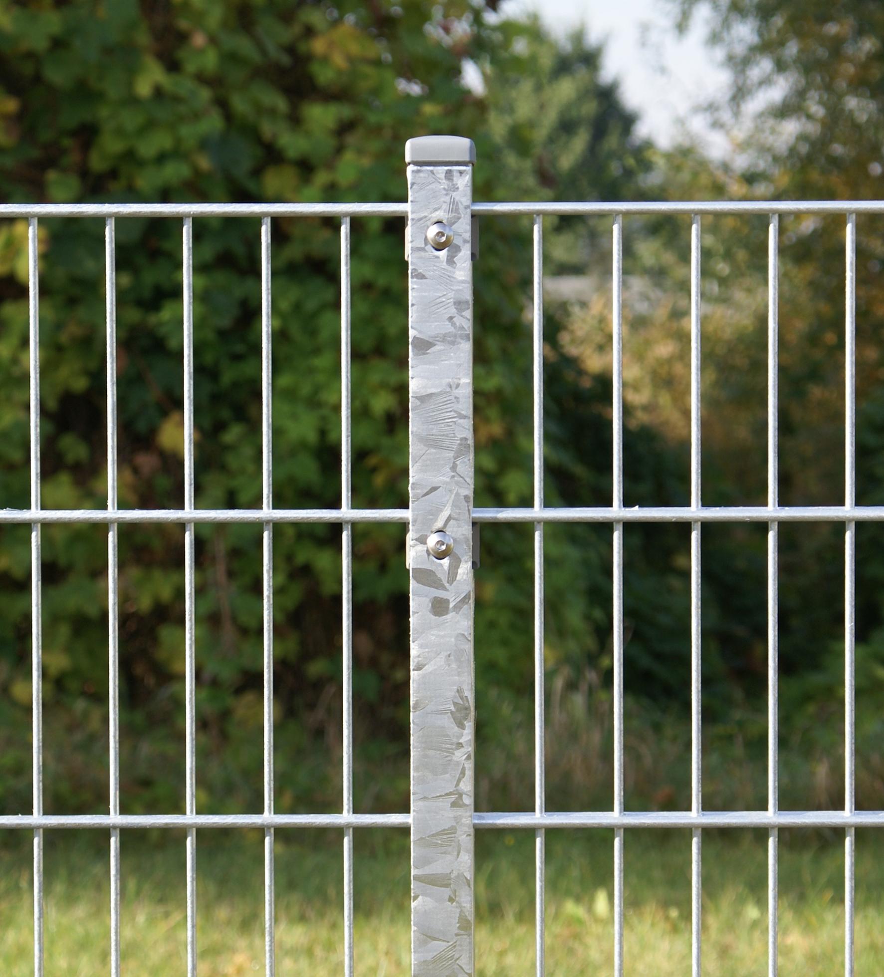 Gartenzaun 8 6 8 mm Doppelstabmatten mit Flacheisenabdeckung Zaun