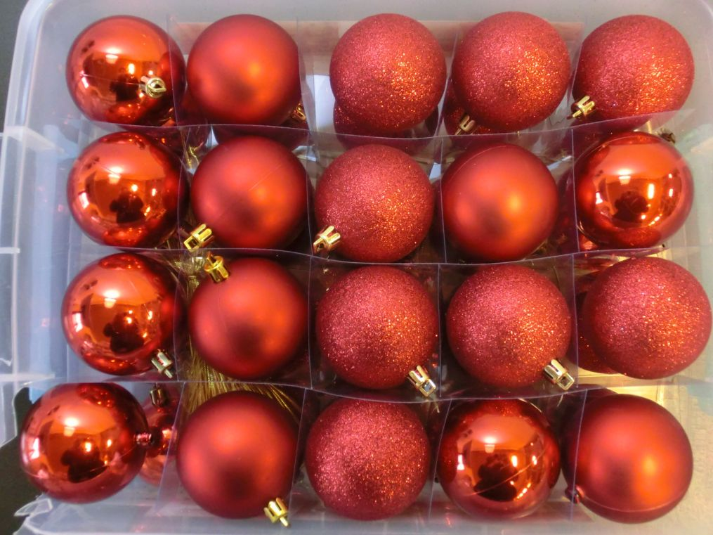 70 st ck weihnachtskugeln rot glitzernd matt gl nzend weihnachten kugel deko ebay. Black Bedroom Furniture Sets. Home Design Ideas