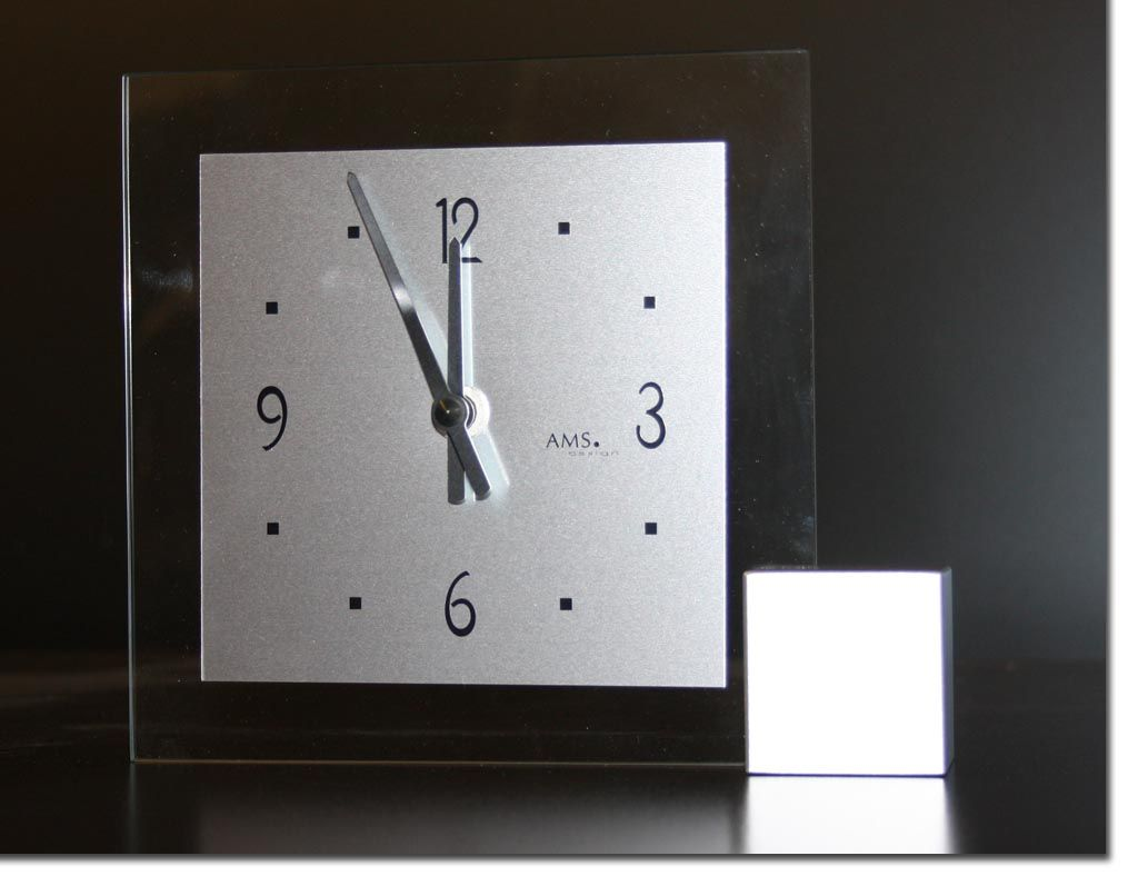 ams 102 tischuhr glas modern quarz besch digt. Black Bedroom Furniture Sets. Home Design Ideas