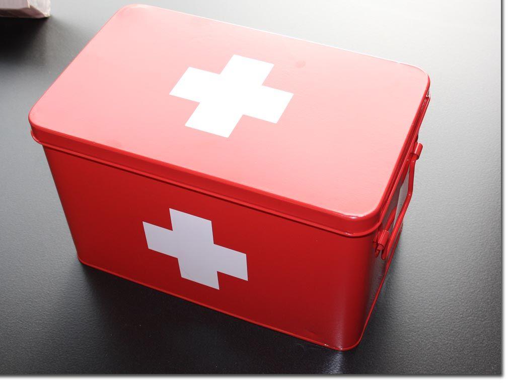 zeller medizin box metall rot medizinkasten medikamentenbox fehlerhaft ebay. Black Bedroom Furniture Sets. Home Design Ideas