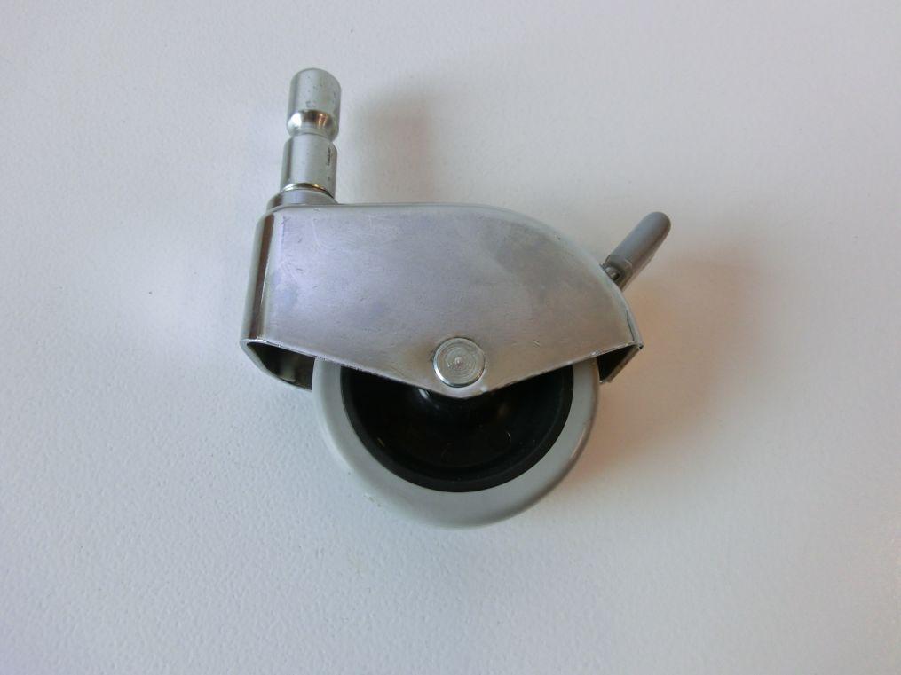 lenkrolle 50 x 17 mm transportrolle bockrolle m belrolle mit bolzen u bremse ebay. Black Bedroom Furniture Sets. Home Design Ideas