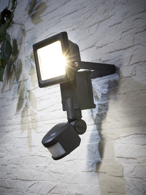 lichtstrom berechnen led flashlight coast hp14 focusing. Black Bedroom Furniture Sets. Home Design Ideas