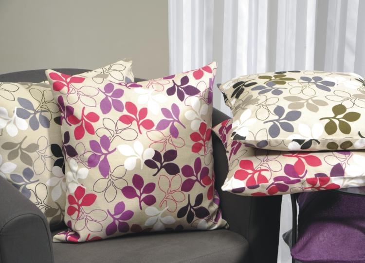 kissenbezug zita 50x50 beere lila beige weiss sofakissen. Black Bedroom Furniture Sets. Home Design Ideas