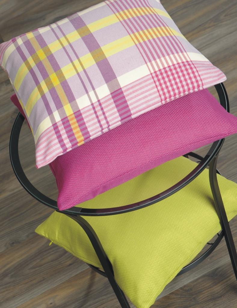 kissenh lle wanda 50x50 kissen kariert gelb lila gr n. Black Bedroom Furniture Sets. Home Design Ideas