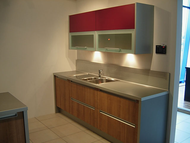 rollschrank k che. Black Bedroom Furniture Sets. Home Design Ideas