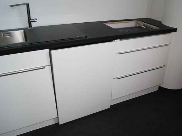 nobilia messek che k chenzeile weiss hochglanz lack griffleiste aussteller ebay. Black Bedroom Furniture Sets. Home Design Ideas
