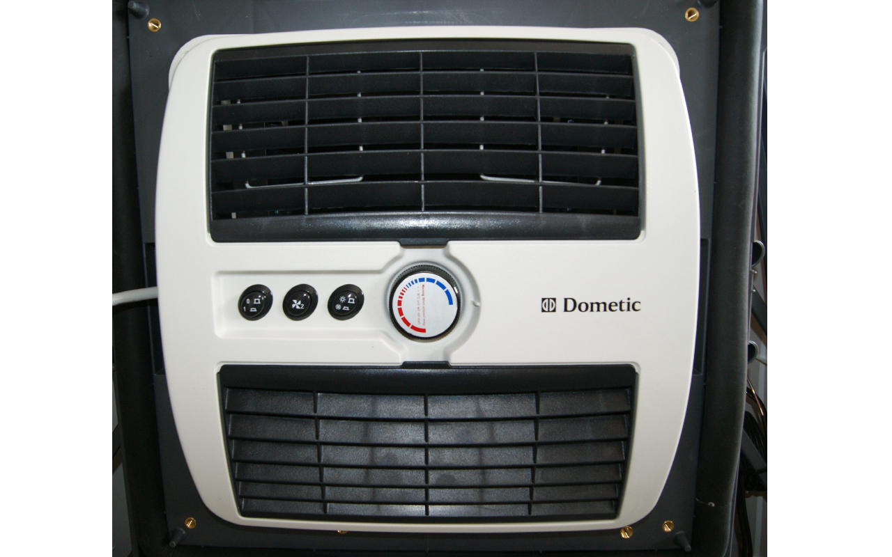 b1900 dometic dachklimaanlage klimaanlage heizen k hlen. Black Bedroom Furniture Sets. Home Design Ideas