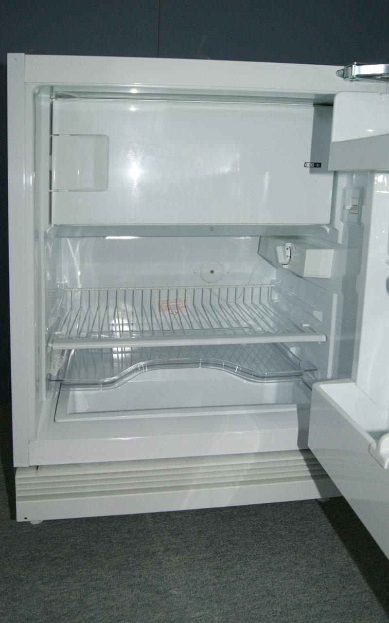 86 cm Smeg Unterbau Kühlschrank Unterbaugerät Gefrierfach innen ...