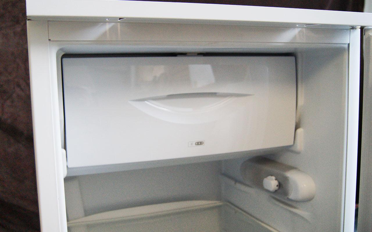 einbau k hlschrank abtauautomatik ignis arl 537 a nische 87 89cm h he. Black Bedroom Furniture Sets. Home Design Ideas