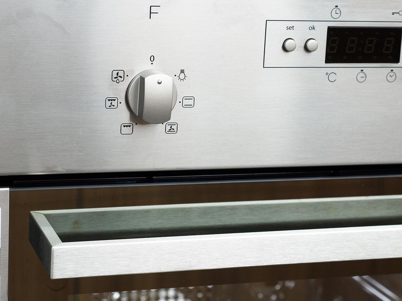 whirlpool akp 318 ix mit 220 v schuko stecker einbau backofen autark ebay. Black Bedroom Furniture Sets. Home Design Ideas