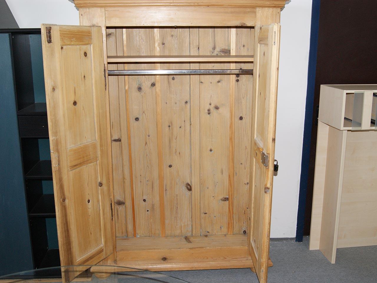 alter bauernschrank kleiderschrank landhausstil fichte natur antik schrank ebay. Black Bedroom Furniture Sets. Home Design Ideas